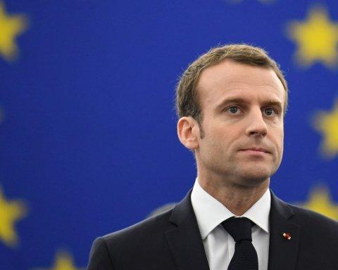 Макрон хоче позбавити Європу англійської мови – The Wall Street Journal