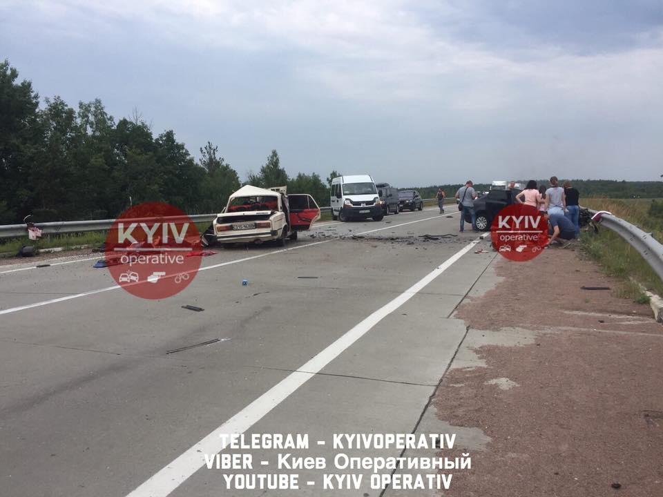 Лобове зіткнення  двоє людей загинули в ДТП на Житомирщині f27ee65707d2d