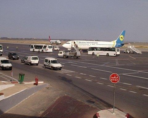 Восемьсот украинцев застряли в Тунисе: туроператор сообщил, когда их вернут домой