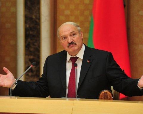 Атака Росії: Лукашенко провів закриту зустріч