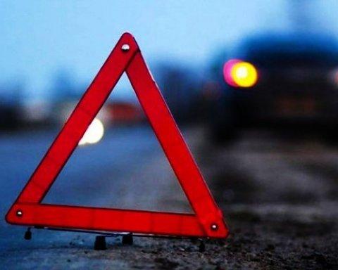 В результаті ДТП з маршруткою постраждали 9 людей
