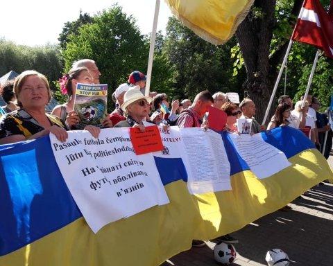 Латвійці збираються пікетувати посольство РФ щотижня