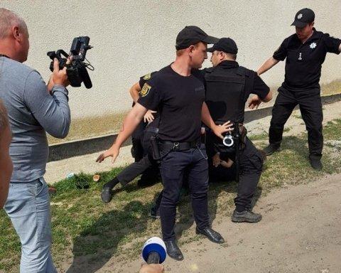 На Одещині помічник депутата покусав поліцейського