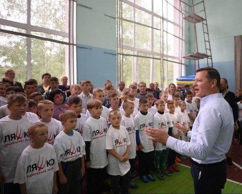 МОН хоче заборонити політичну агітацію у навчальних закладах
