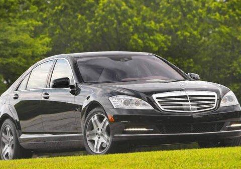 За рахунок українців Порошенку куплять два броньованих Mercedes за 42,5 млн