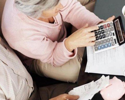 Украинцам в 2018 году дважды повысят пенсии: кто получит деньги