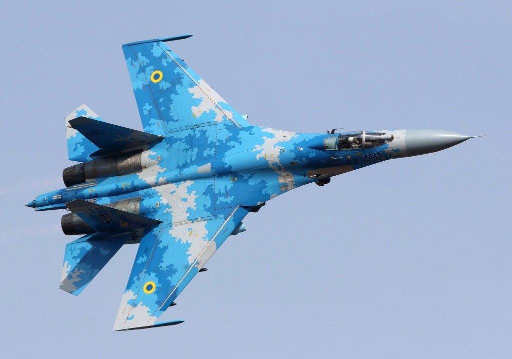 Украинский истребитель Су-27 выполнил невероятный полет