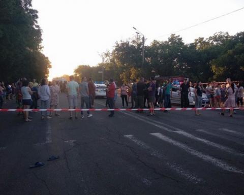 """В Одесі влаштували """"бунт"""" через смертельну ДТП з дитиною"""