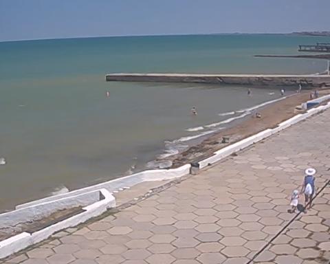 Появились новые кадры безлюдных и заброшенных пляжей Крыма