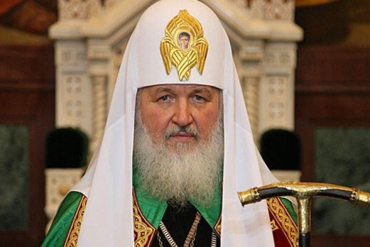 Антенна с Всевышним: в сети высмеяли приезд патриарха Кирилла в Минск