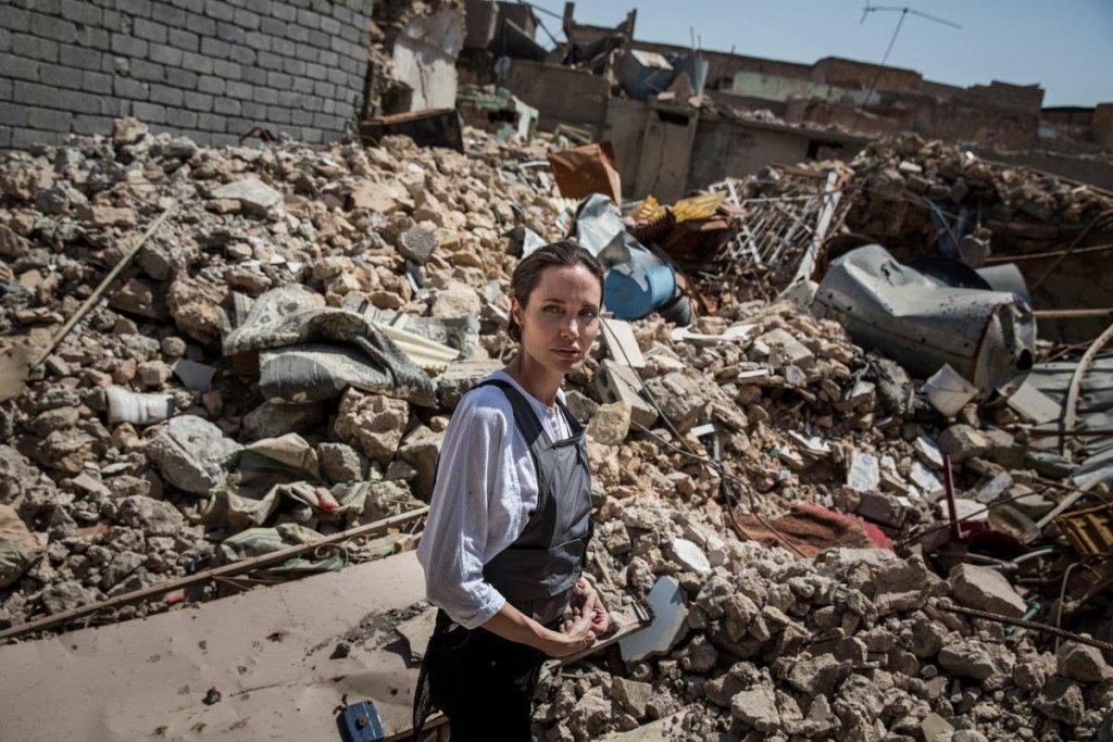 Анджеліна Джолі відвідала колишню столицю ІДІЛ