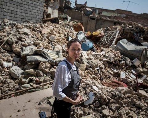Анджелина Джоли посетила бывшую столицу ИГИЛ