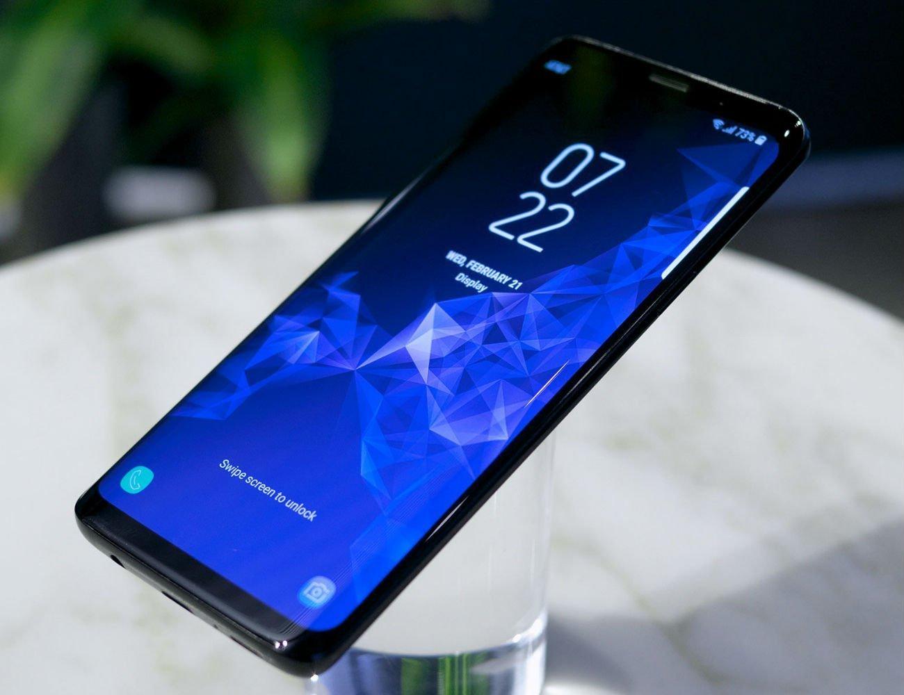 Galaxy S9 Plus стал самым популярным смартфоном