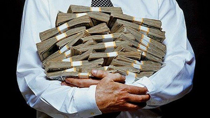 Зарплату чиновникам органов госвласти хотят ограничить: интересные подробности
