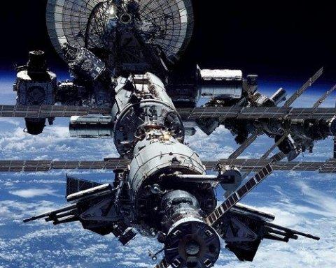 На Землю падает космическая станция: что случилось