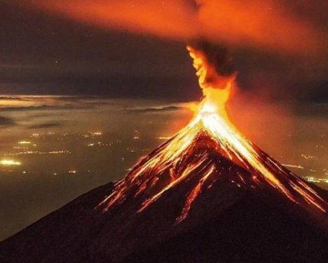 Виверження вулкану у Гватемалі: кількість жертв зростає, вже загинули десятки