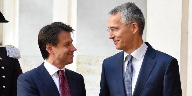 Руководитель МИД Италии и генеральный секретарь НАТО подтвердили значимость разговора сРоссией