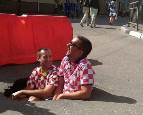 Хорватські фани в РФ зробили дорожню яму мемом: її одразу залатали