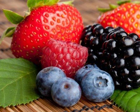Сезон ягод начался в Украине: советы потребителям