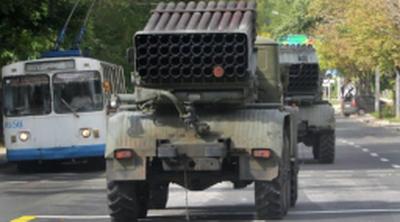 Чергова колона військової техніки РФ помічена поблизу українського кордону (відео)