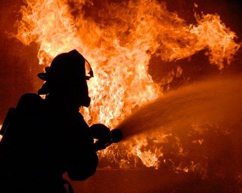 В Кривом Роге произошел масштабный пожар