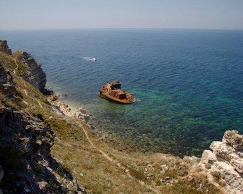 Оккупанты задержали украинских рыбаков в Крыму: пленники обратились к отчаянному шагу