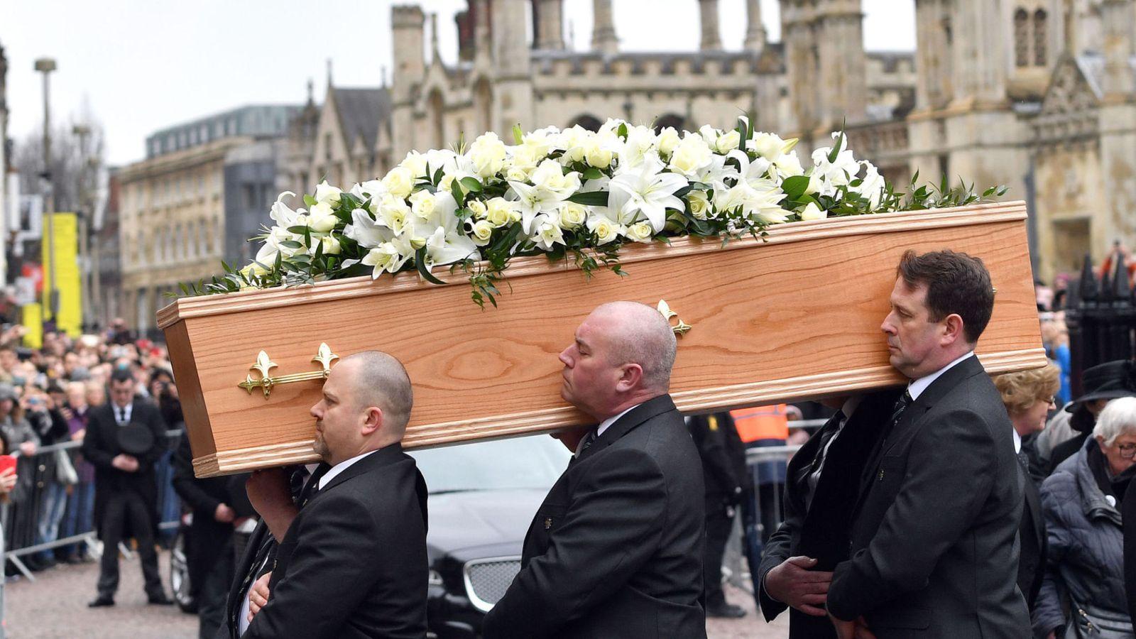В Лондоне попрощались с легендарным Стивеном Хоукингом