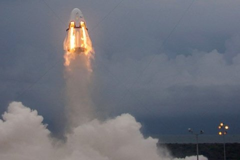 Маск влаштував перевірку свого космічного корабля: вражаючі кадри