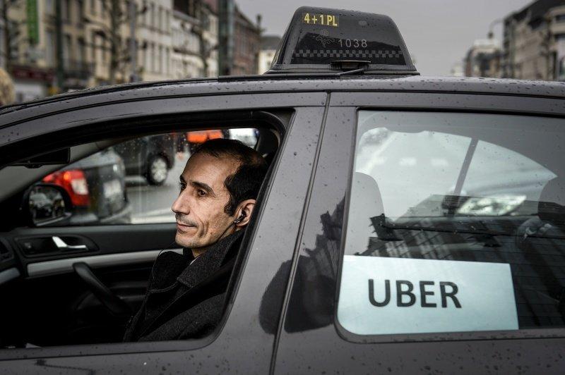 Uber будет проверять трезвость заказчика
