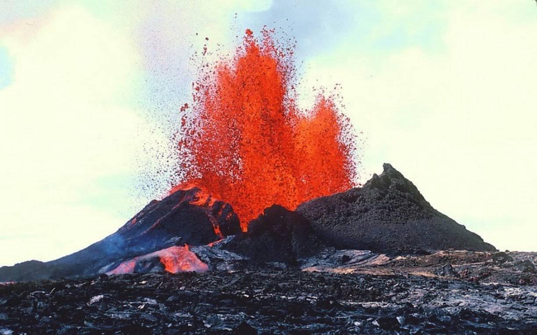 Десятки поранених: на легендарному курорті сталося виверження вулкану