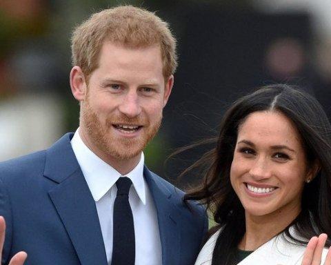 Герцогиня Меган знову порушила традицію: оголила плечі на дні народження королеви