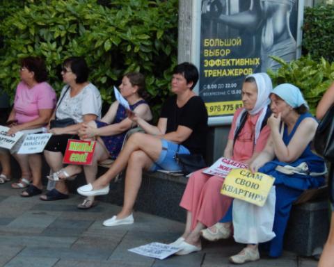 Ждуни окупованого Криму: мережу насмішили показові фото з  півострова