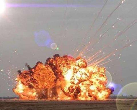 """У бойовиків """"ДНР"""" стався серйозний вибух: все потрапило на фото"""