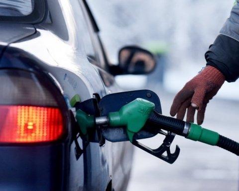 Стало відомо, де в світі найдешевший і найдорожчий бензин