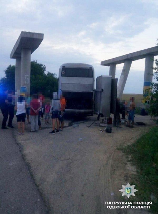 Невесела подорож: автобус з дітьми загорівся прямо на ходу