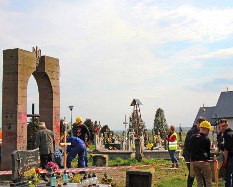 Розкопки у Грушовичах: Польша має домовитися з Україною, як свого часу домовилася з Німеччиною – історик