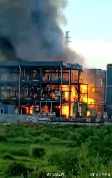На великому заводі стався вибух, багато загиблих і поранених