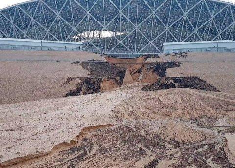 В Росії щойно збудований стадіон змило дощем