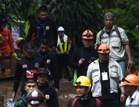 """Врятовані тайські діти розповіли як пережили """"печерний полон"""""""