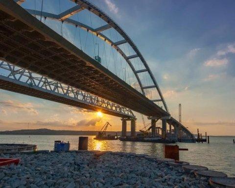 """Окупанти похвалилися """"досягненнями"""" на будівництві Керченського мосту"""