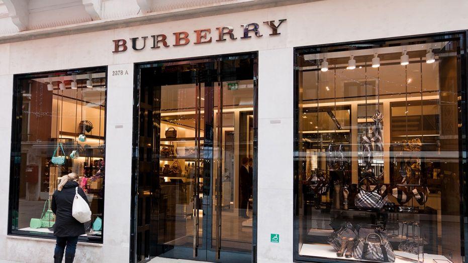 Модный бренд Burberry сжег одежды на $37 миллионов