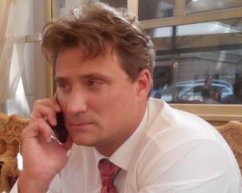 У київському суді ледь не побились праворадикали С14 та адвокат бойовиків