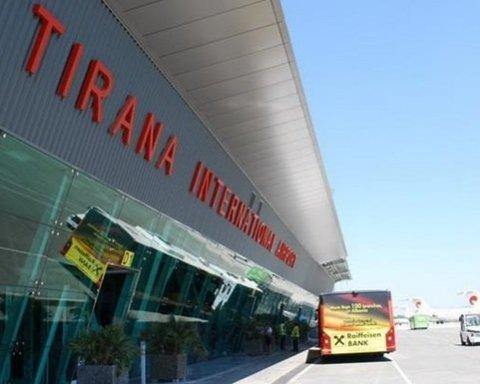 Сотни туристов, застрявших в аэропортах, наконец вернулись домой