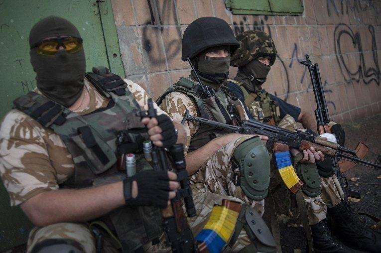На Донбассе было жарко: боевики давят огнем, много раненых среди ВСУ