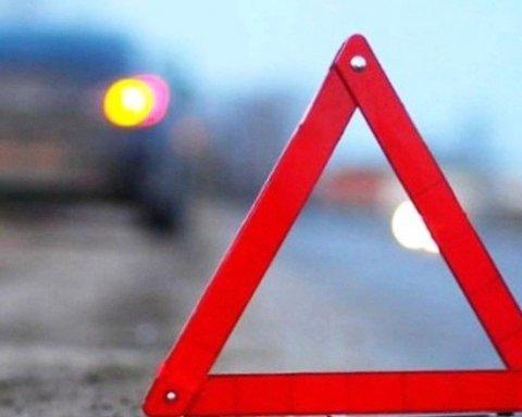 Жінка та дитина загинули у моторошній аварії на трасі Київ – Харків