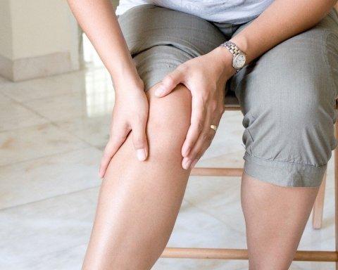 Медики назвали симптомы воспаления сустава: как распознать артрит