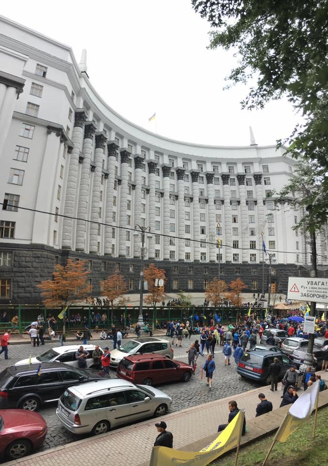 """Водії """"євроблях"""" залишаться ночувати в центрі Києва"""