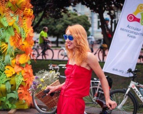 В Киеве прошел женский велопарад