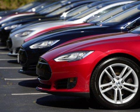 Украинские чиновники скупают элитные авто за «копейки»: появились доказательства