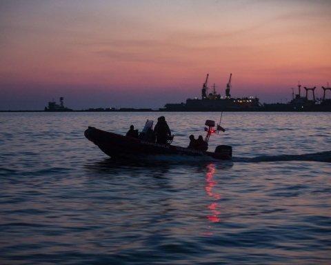 В РФ изменили тактику блокирования Азовского моря: что об этом известно